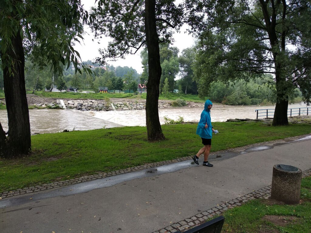 Rzeka Raba po ulewach