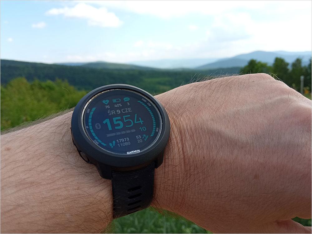 Zegarek sportowy na wycieczce